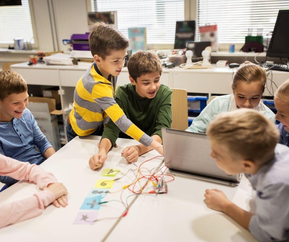 Programação e Robótica - Projetos Educativos